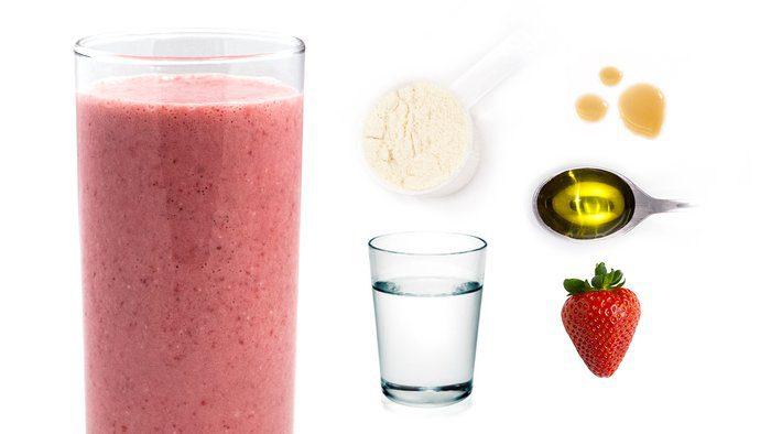 شیک پروتئین توت فرنگی